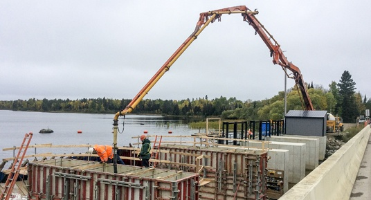 concrete placement, dam construction, hydroelectric dam construction, Midwest dam construction, dam construction contractor, mass pour