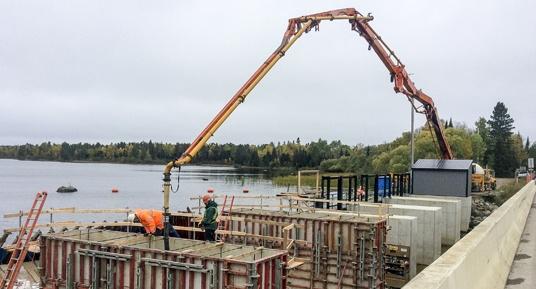 concrete placement, dam construction, hydroelectric dam construction, Midwest dam construction, dam construction contractor, mass pour