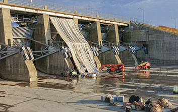 tainter gate repairs, dam repairs, dam construction, corps of engineers dam, dam construction contractor