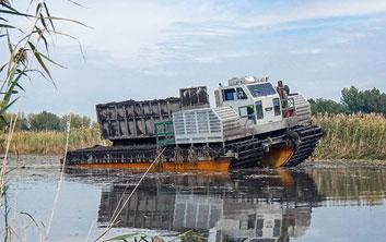 amphibious dredging, amphibious equipment, amphibious work, wetland remediation, wetland restoration