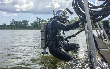 railroad bridge inspections, underwater inspections, diver services, commercial diving, brennan divers