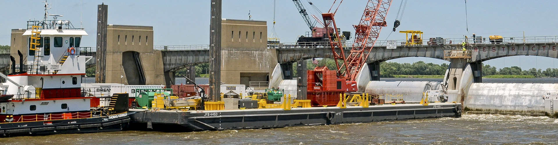 lock and dams, locks and dams, mississippi river, lock and dam construction, dam construction, marine construction, gate repairs