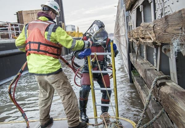 underwater construction, dive services, dive construction, dam repairs, underwater dam repairs