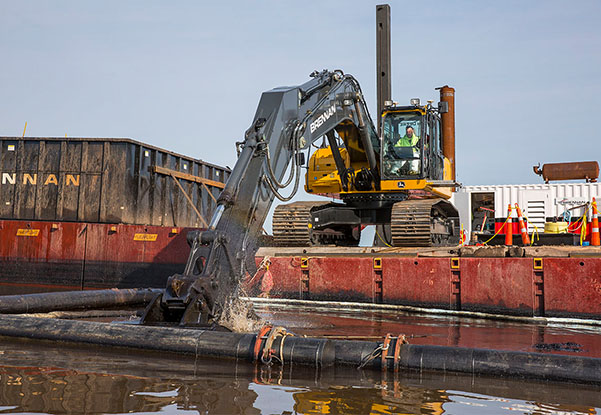 Environmental Dredging, Mechanical Dredging, Environmental Dredge Bucket, Environmental Dredge, Environmental Remediation