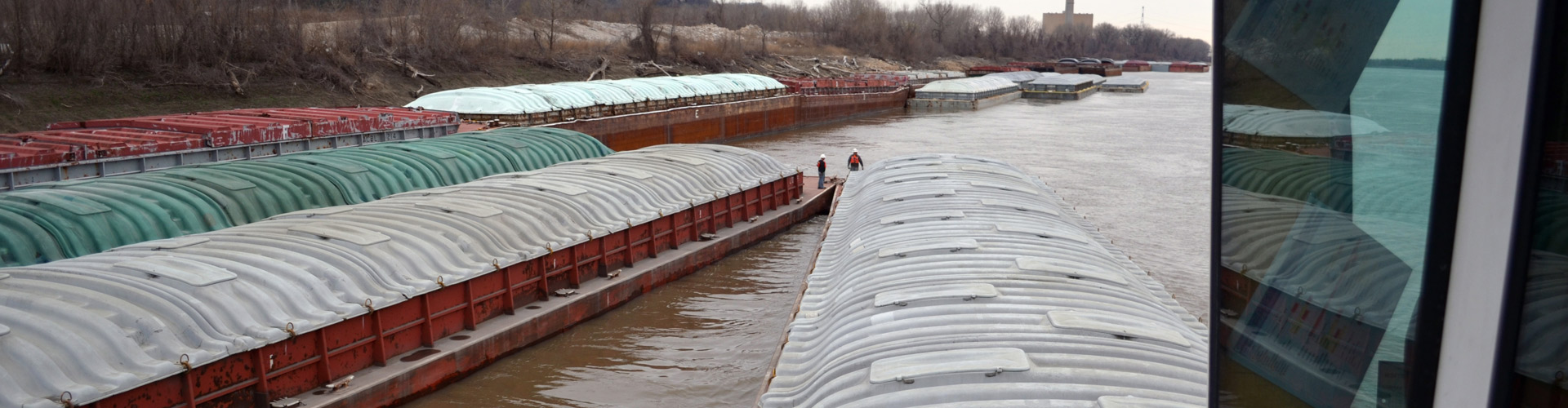 short haul towing, harbor management services, barge transportation, barge management solutions, intermodal transport, Upper Mississippi River barges, river logistics, inland waterway services