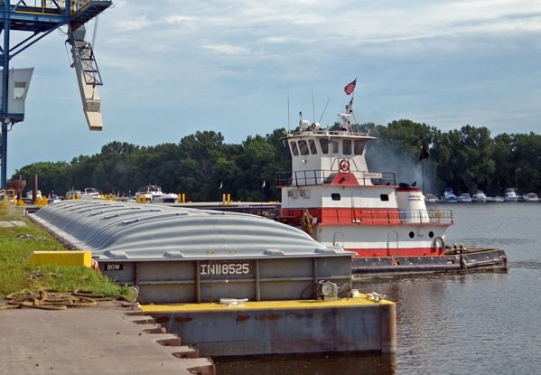 switching and fleeting, barge transportation, harbor management, mississippi river towboats, brennan, barge service, grain terminals