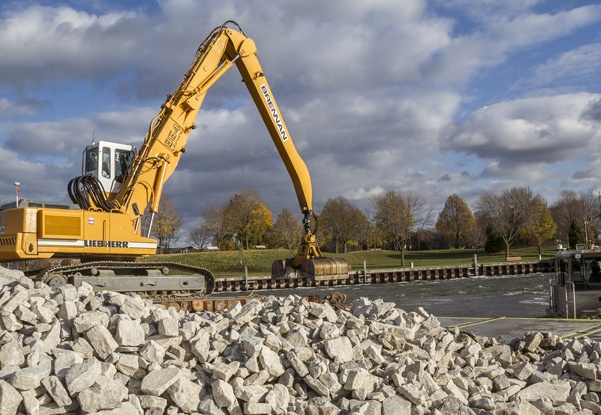 rip rap, scour and erosion control, scour and erosion repair, embankment protection, erosion control, rock placement