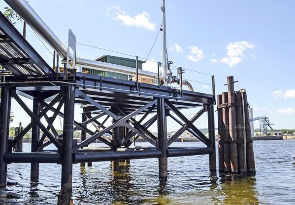 Marine Construction, dock construction, dry bulk terminals, barge terminals, liquid bulk terminals, Mississippi River Construction, barge transportation, dock construction, La Crosse WI