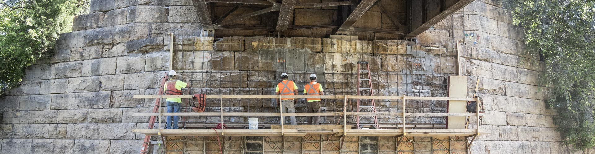 pier repairs, railroad bridge pier repairs, masonry pier repairs, bridge repairs