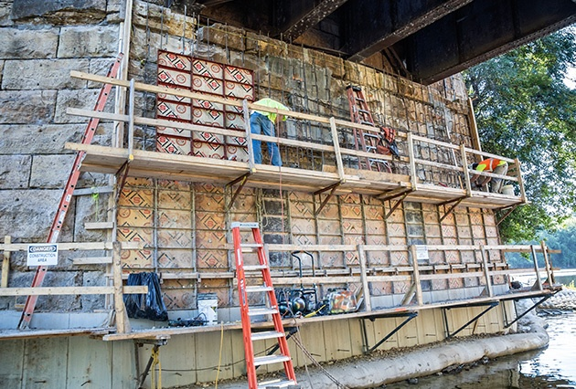 pier repairs, bridge construction, railroad bridge pier repairs, masonry pier repairs, railroad bridge construction