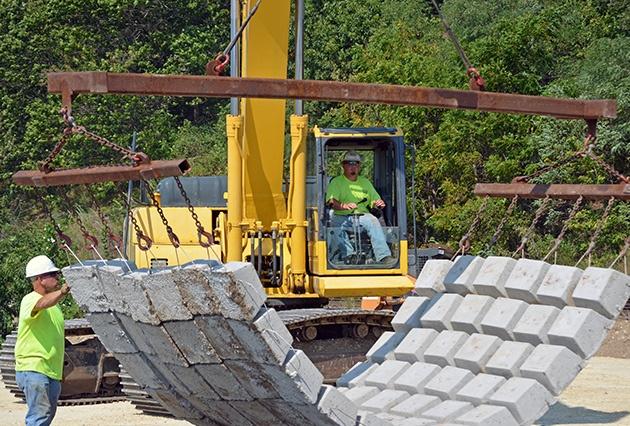 precast articulating block mats, concrete mats, erosion protection, scour control,