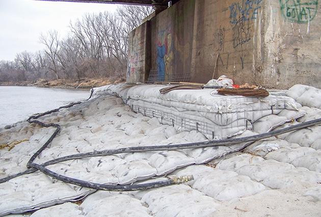 fabric formed articulating block mat, scour and erosion repairs, scour repairs, erosion control, railroad bridge scour protection
