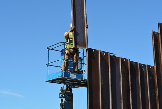 sheet piling, scour control, steel sheet piling, retaining wall, railroad construction