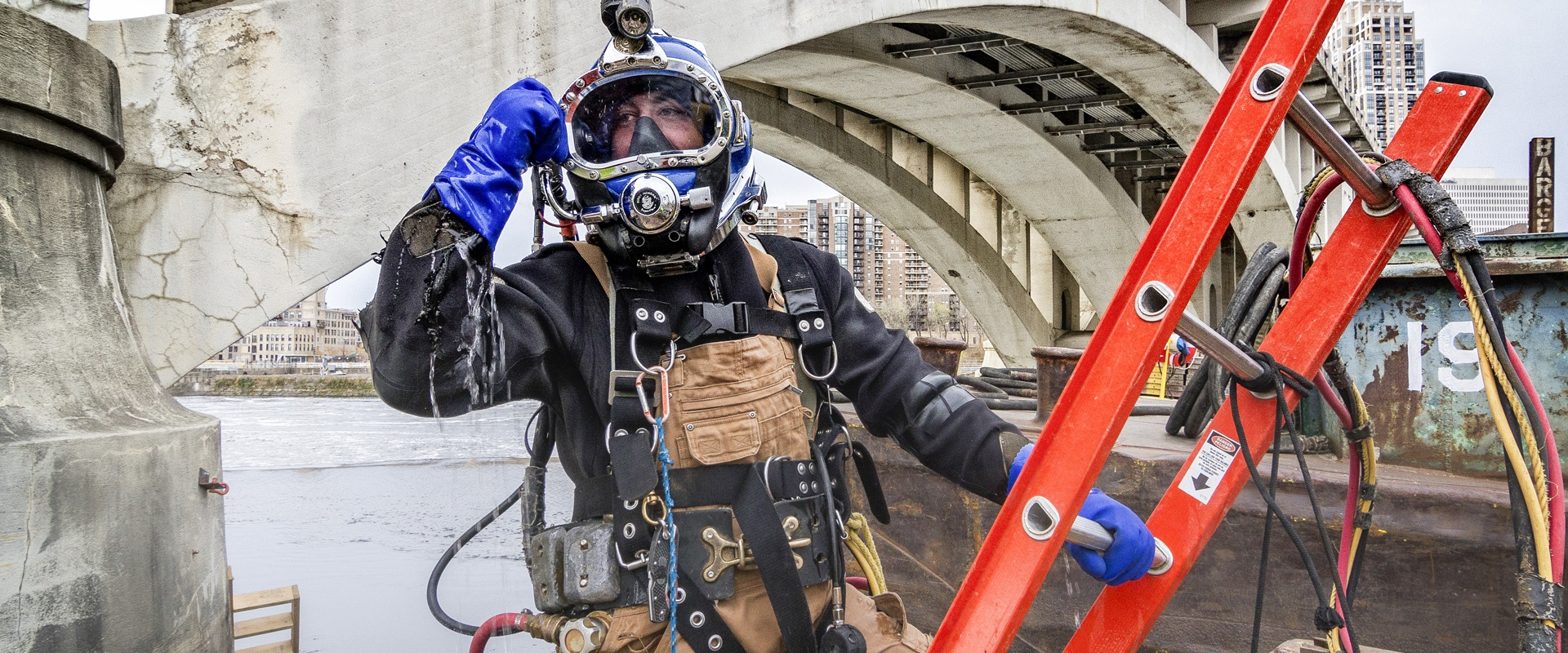 commercial diving, underwater construction, underwater inspections, hard hat diving, industrial diving, brennan, adci divers, dive contractors